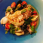 真鯛と数種類の魚介のアクアパッツァ